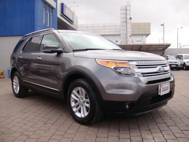 FORD EXPLORER 4WD FLAMANTE