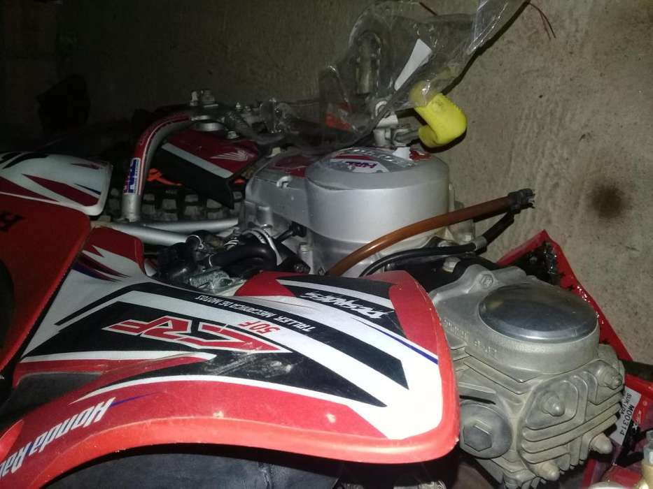Moto <strong>honda</strong> 50cc como nueva poco uso lamar 0939827108