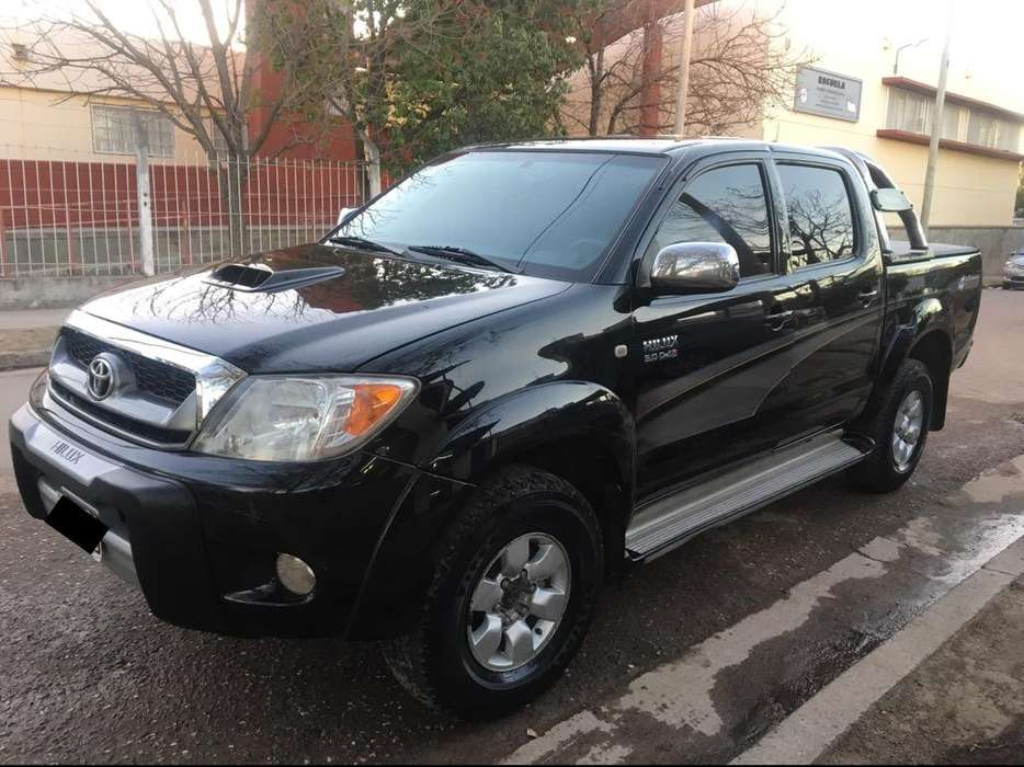 Toyota Hilux 2008 - 198000 km
