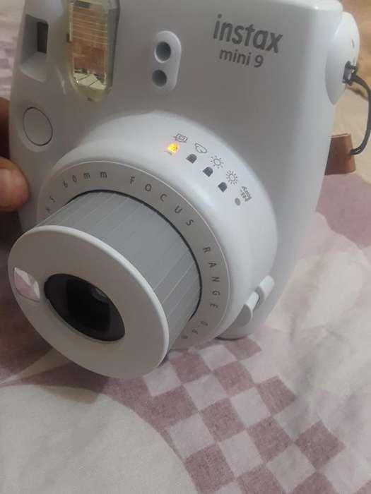 Camara Instantánea Instax 9 Fujifilm