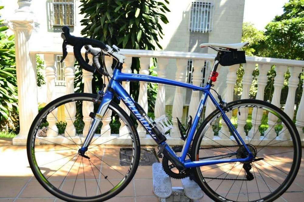 BICICLETA DE RUTA - SPECIALIZED ALLEZ 2012 - ULTEGRA 10V