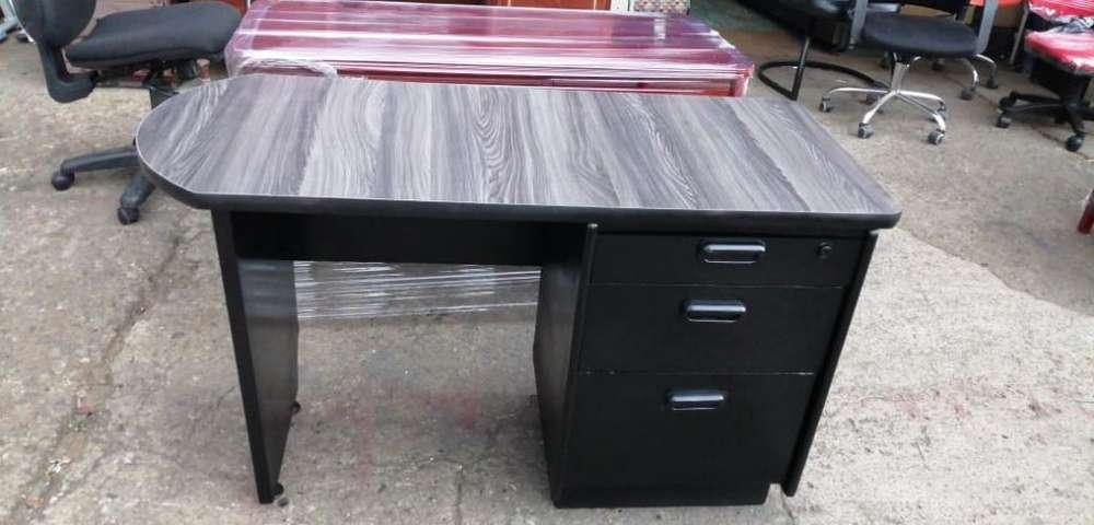 <strong>escritorio</strong> Madera Sencillo