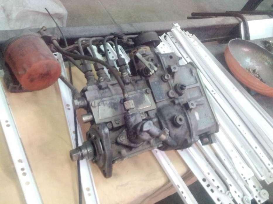 Bomba Inyectora Mercedes Benz 180