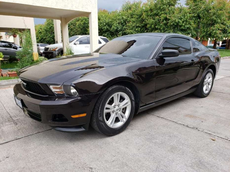 Ford Mustang 2012 - 59000 km