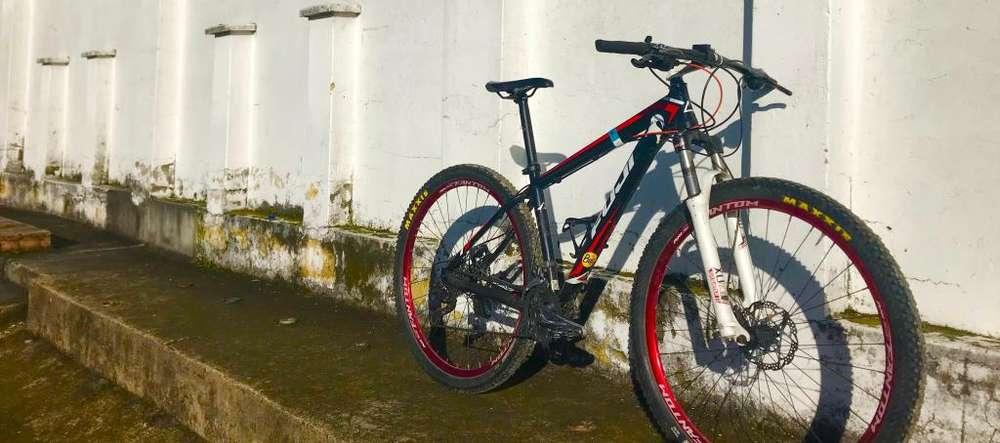 Bicicleta Fuji Tahoe 1.1