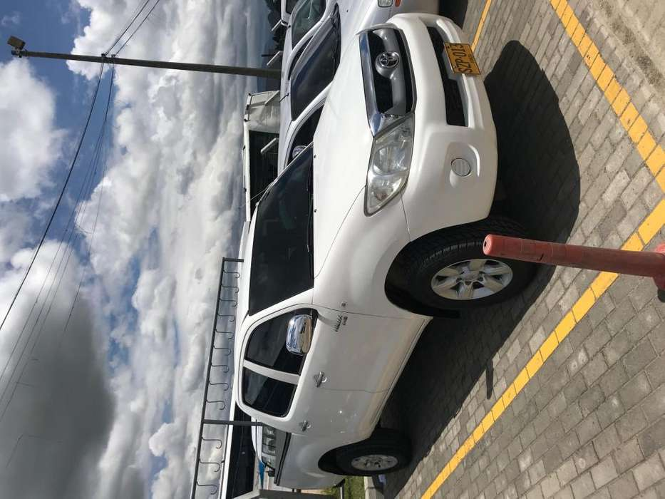 Toyota Hilux 2012 - 102000 km