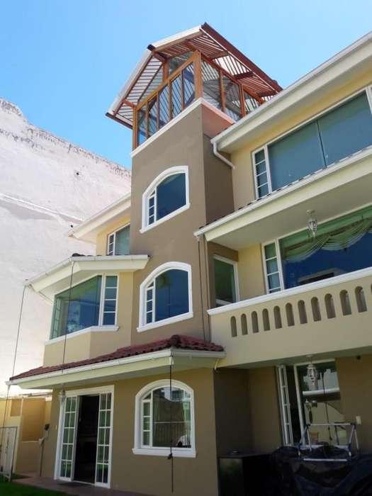 Vendo elegante casa; Sector Embajada Americana, Amagasi