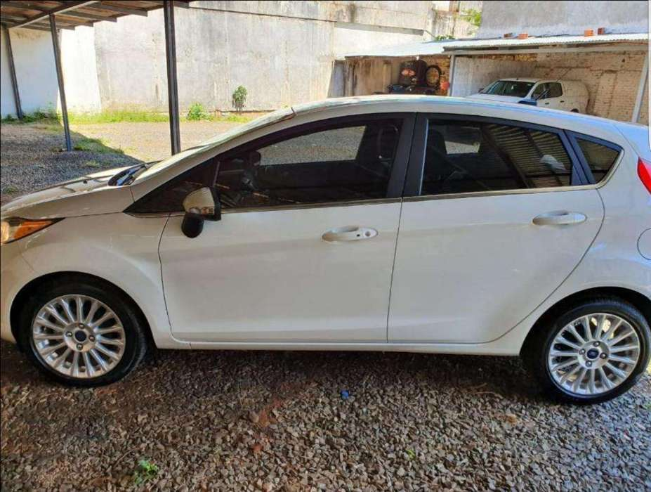 Ford Fiesta Kinetic 2017 - 8300 km