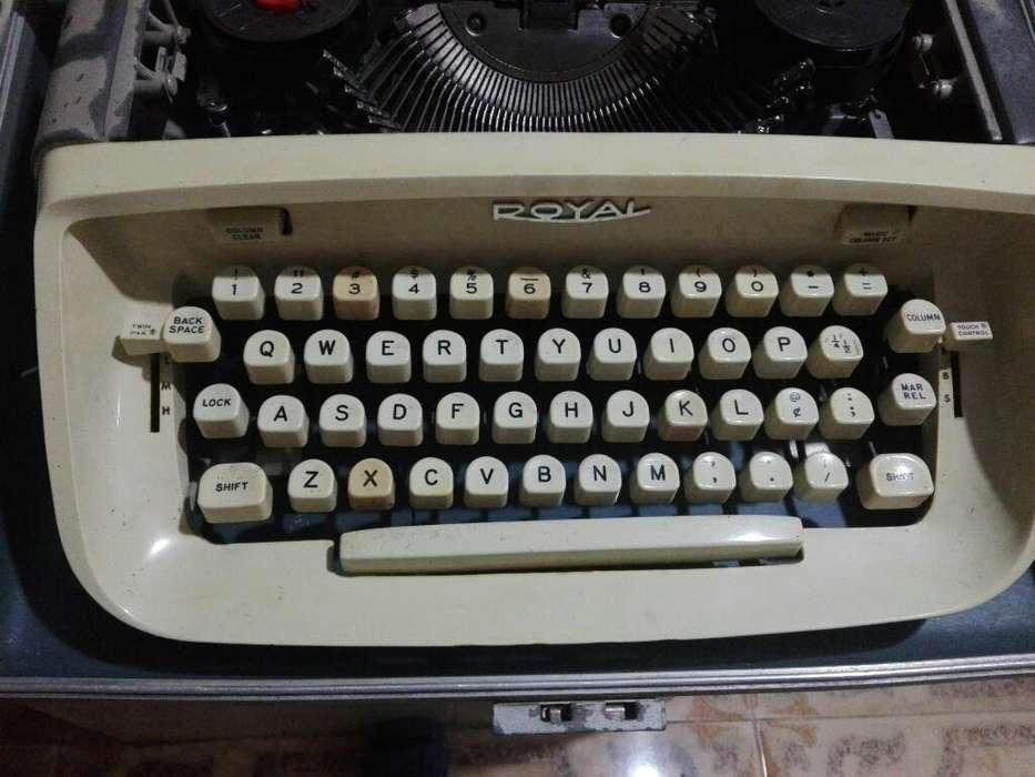 Maquina de Escribir antigua tinta de cinta