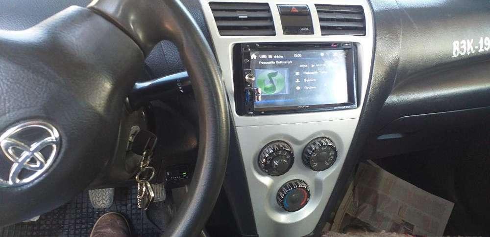 Toyota Yaris 2011 - 170000 km