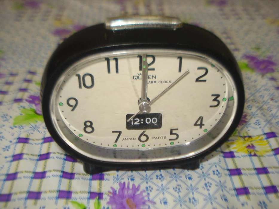 Reloj Despertador Queen Medio Antiguo. Unico!!