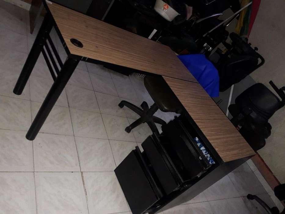 Vendo <strong>escritorio</strong> en L