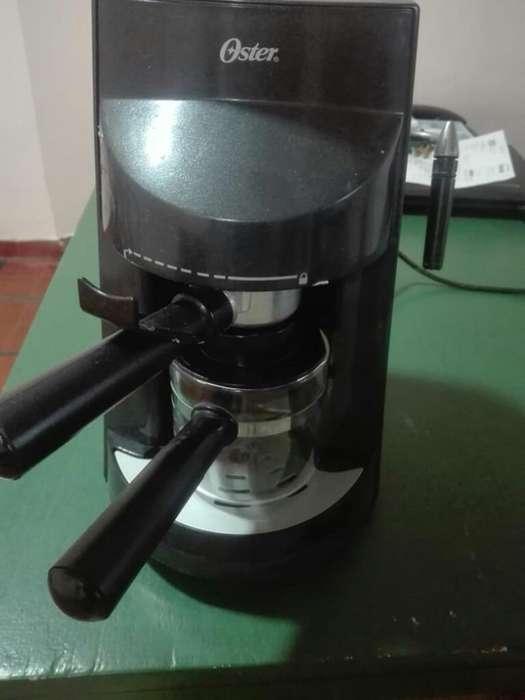 Cafetera Y Capuccinera Electrica Oster