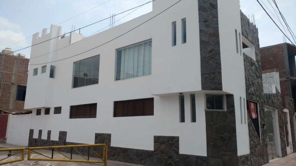 Venta de Casa en Res. San Carlos - Ica