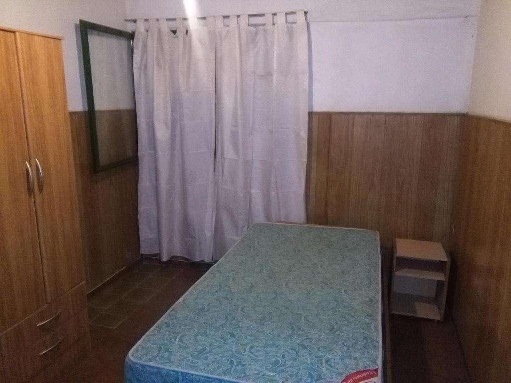 ALQUILO HABITACION CENTRICA BAÑO PRIVADO,  4800