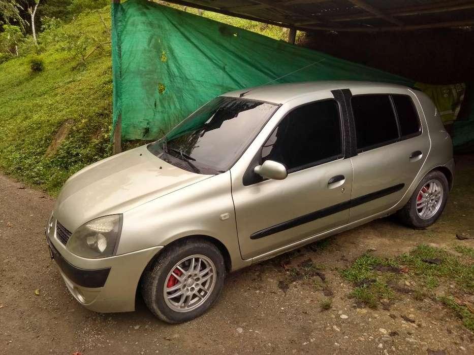 Renault Clio  2007 - 195000 km