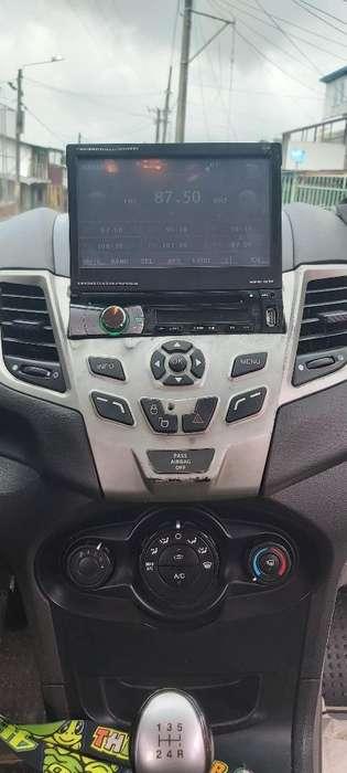 Ford Fiesta  2011 - 130000 km