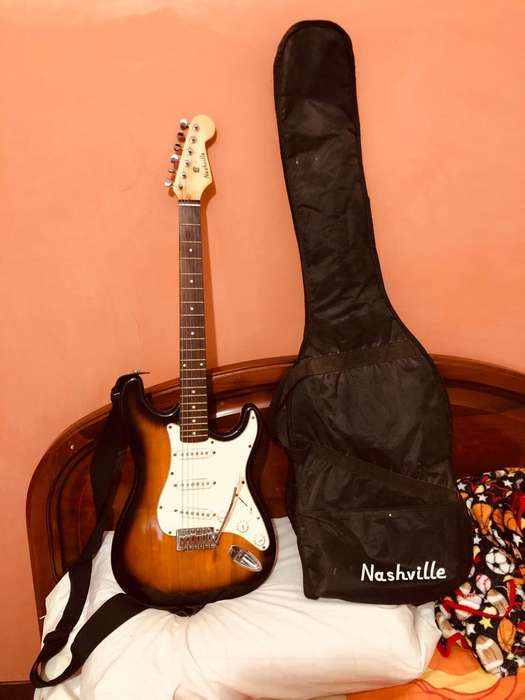 Guitarra Electrica NasvilleAmplificador