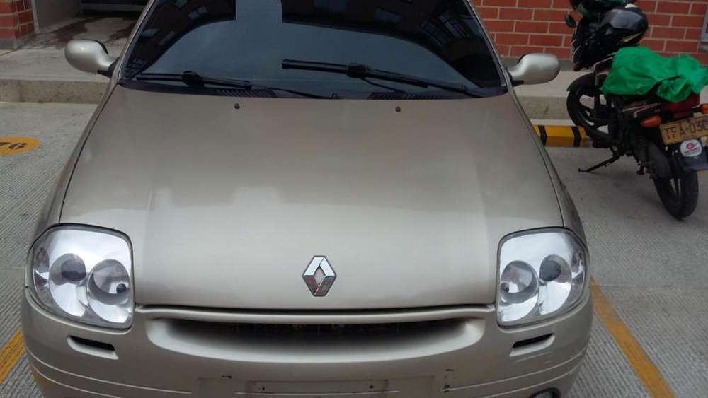 Renault Clio  2002 - 136312 km