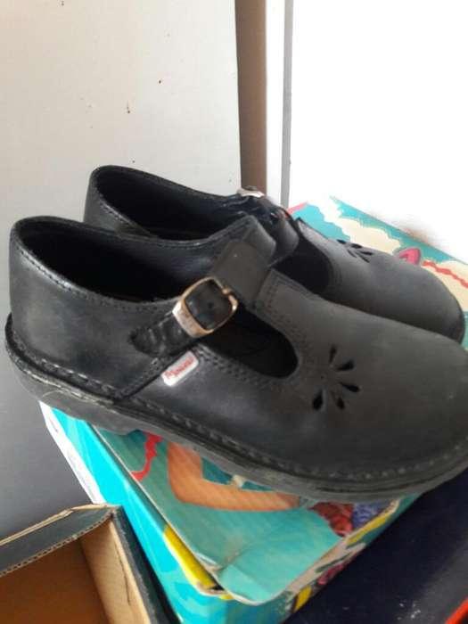 Zapatos Marcel Num 34.casi sin Uso.