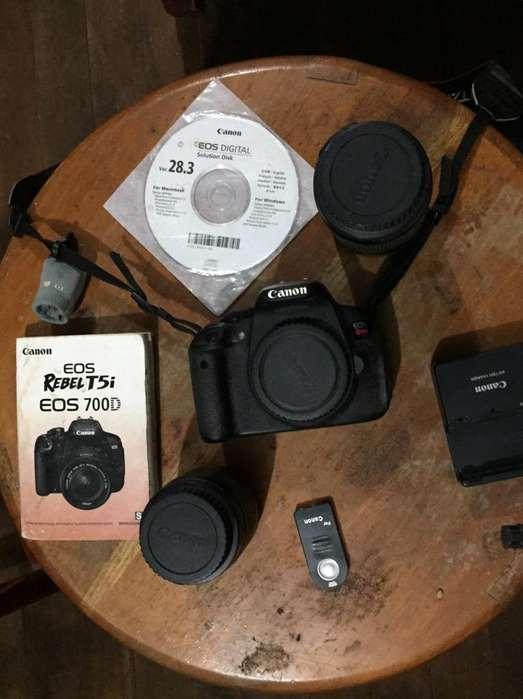 Canon T5I Eos 700D