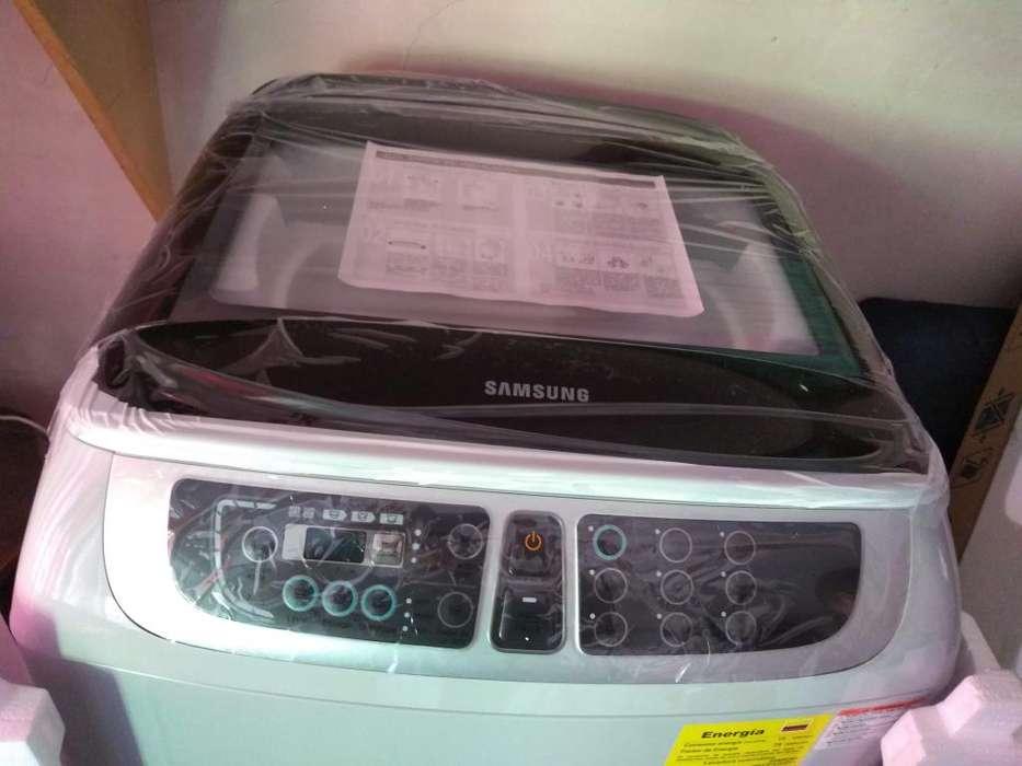 Lavadora Samsung Wobble de 17 K Wa17f7l2