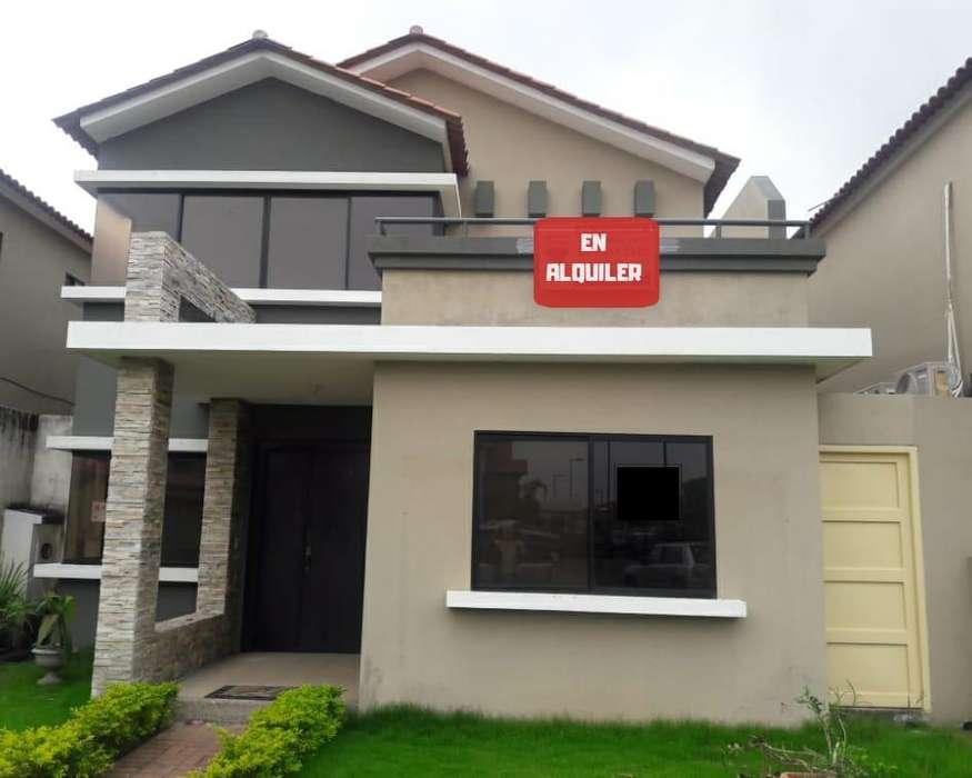 Casa AMPLIA en <strong>ciudad</strong> Celeste - M. VACA