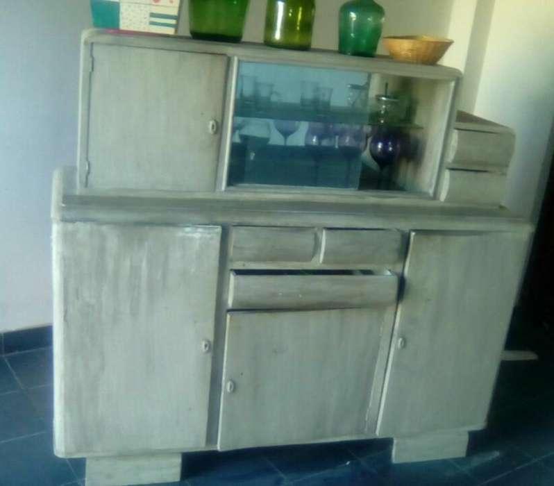 Vendo Mueble Vintage . Impecable.