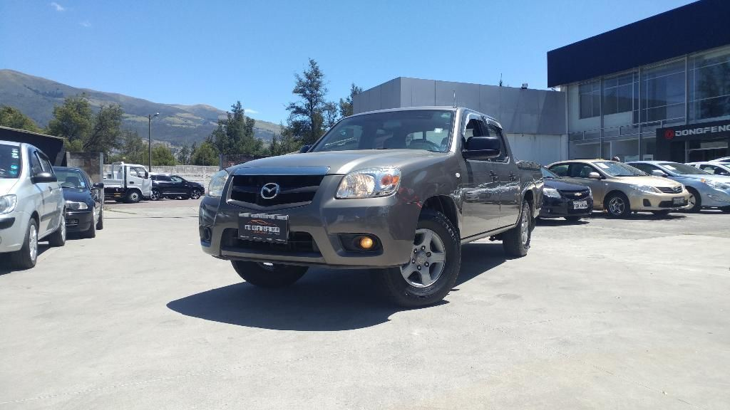 mazda bt50 4x2 cd AC / FINANCIAMIENTO