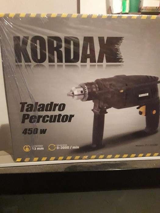 Vendo Taladro Percutor sin Uso.