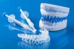 Desde  130.000 Blanqueamiento dental