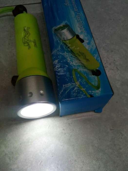 Linterna para Buso O Pesca con Luz Led