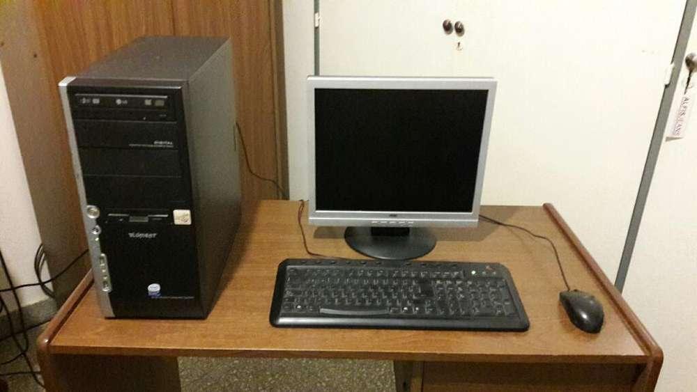 Vdo. Pc Monitor Lcd Teclado Y Mouse