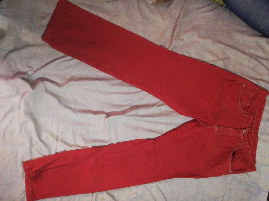 Jeans Rojo T44 Hombre
