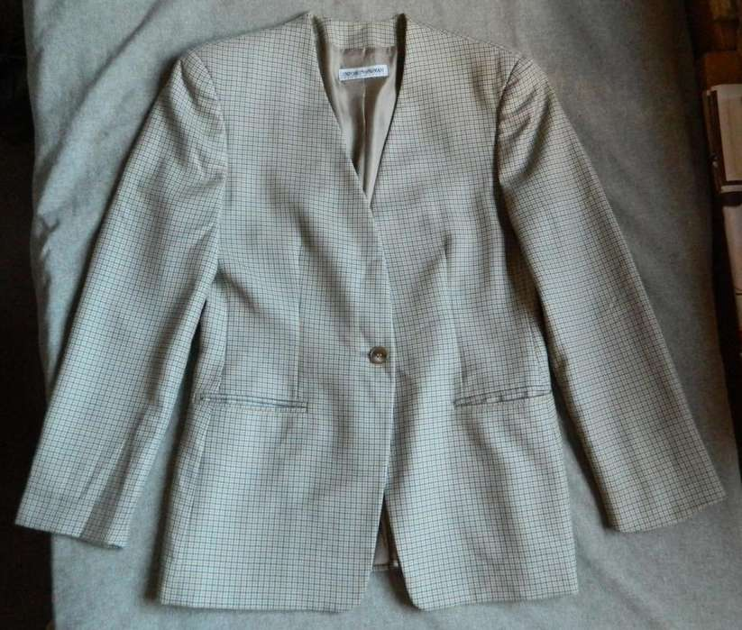 Saco Armani mujer talle 44 made in Italy excelente!!!