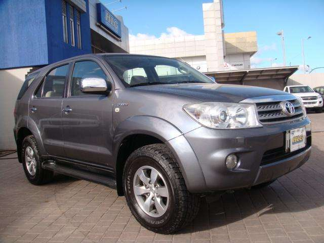 <strong>toyota</strong> Fortuner 2012 - 90000 km
