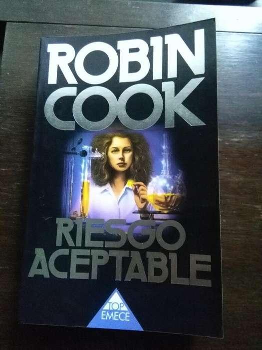 Riesgo Aceptable . Robin Cook . Libro Top Emece