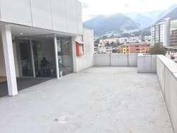 Vendo edificio Carolina Amazonas y Atahualpa Banco Procredit