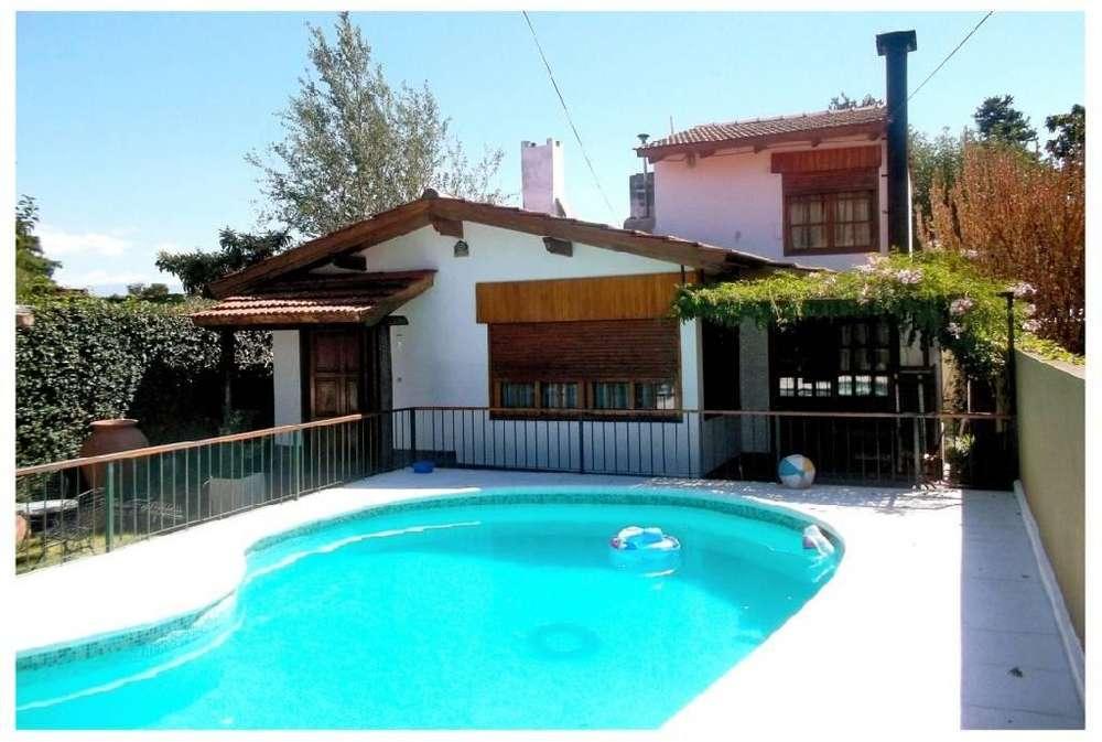 ms57 - Bungalow para 6 a 10 personas con pileta y cochera en Villa Carlos Paz