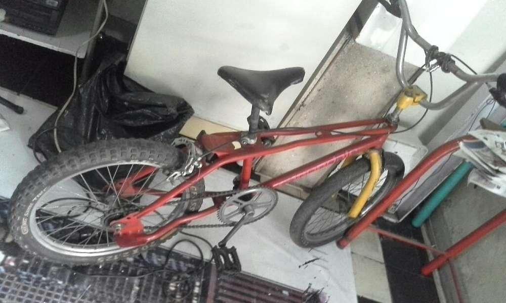 Vendo Bicicleta Semicross Regular Estado