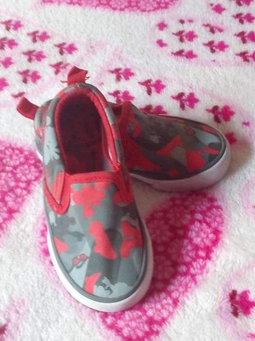 Vendo Zapatos de Micky Maus
