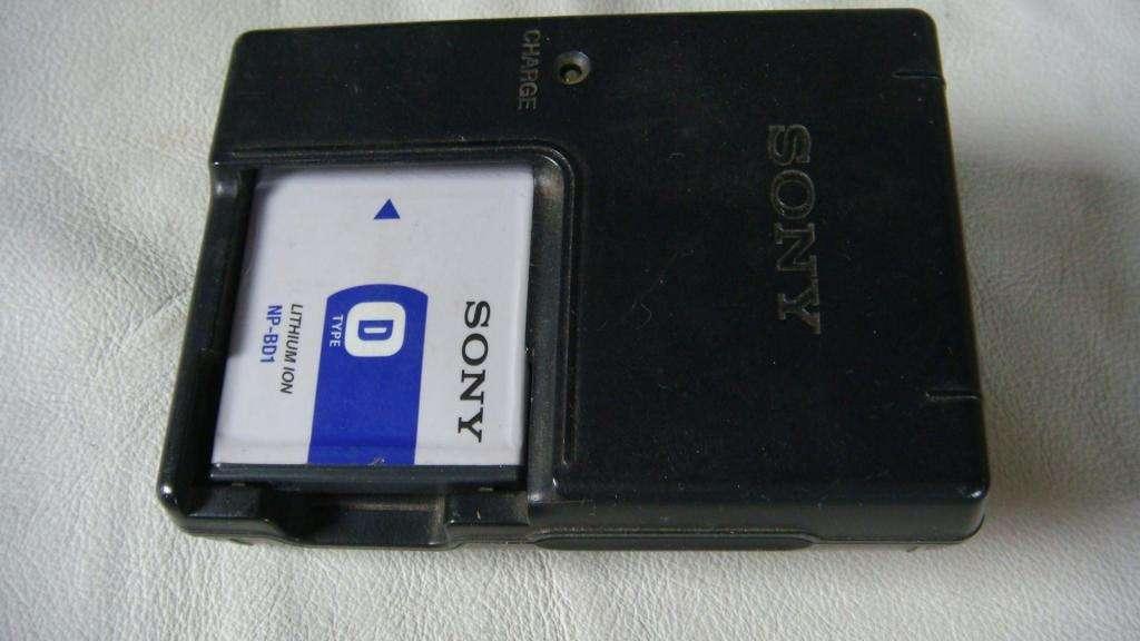 Cargador Baterías Cámaras Sony DSCT200