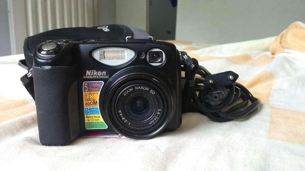 Camara Nikon Coolpix 5400