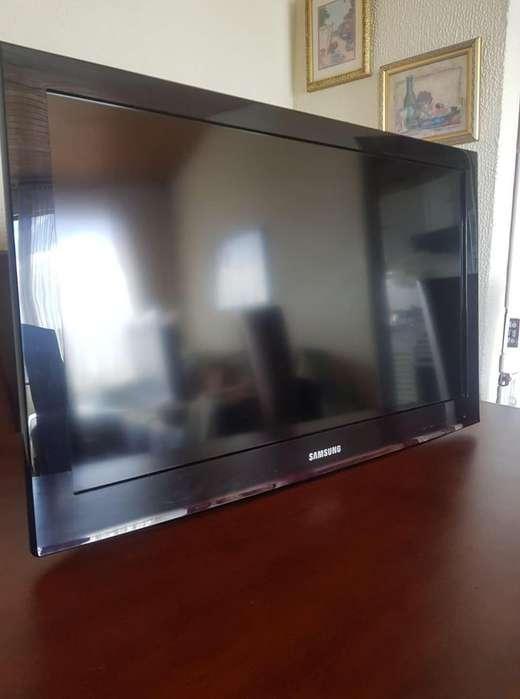 GRAN Televisor LCD Samsung (Como nuevo)