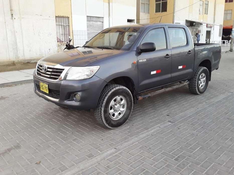 Toyota Hilux 2014 - 190000 km