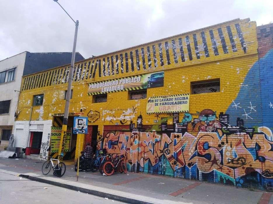 Venta Local comercial rentando en el centro con uso de parqueadero cubierto y lavadero 18-00158