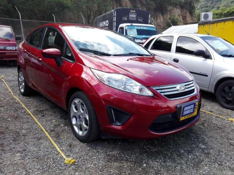 Ford Fiesta  2013 - 35200 km