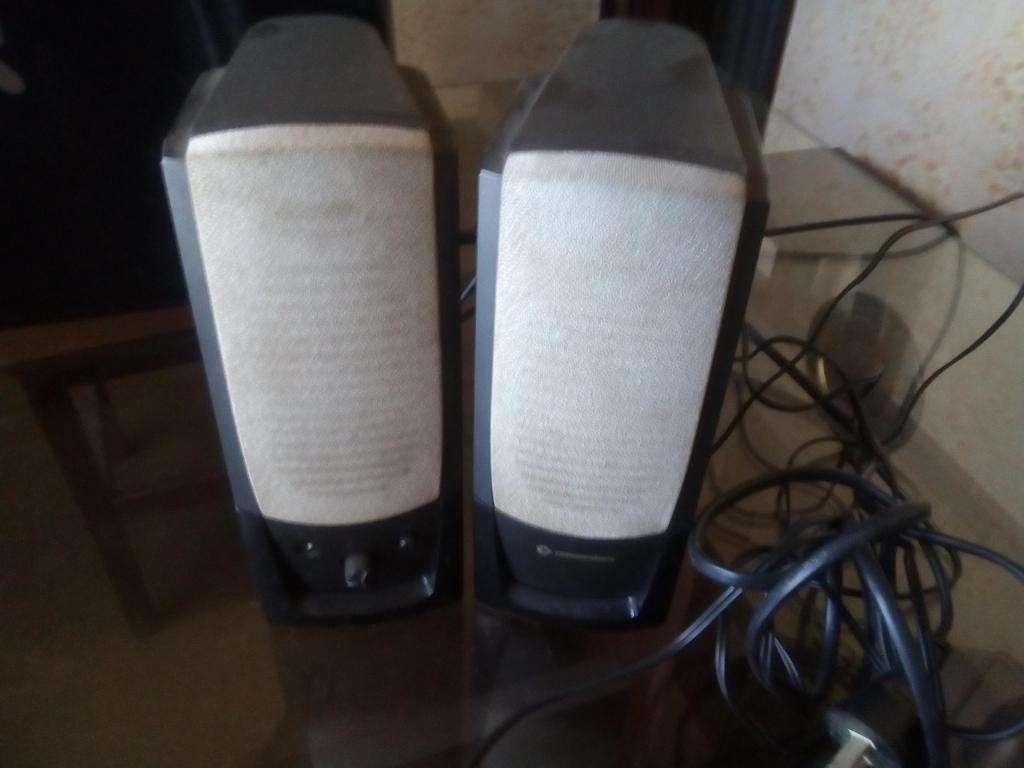 Kit de parlantes,mousse y teclado