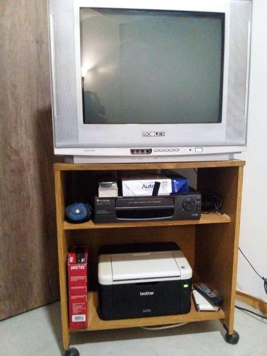 Combo Tv, Vcr Y Mesa, Usados.