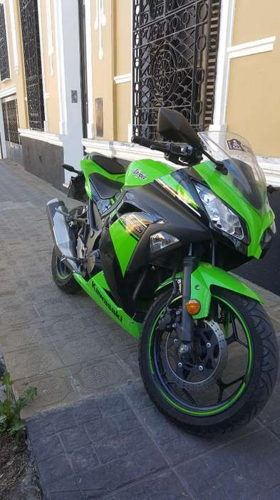 Kawasaki Ninja 300 8000km